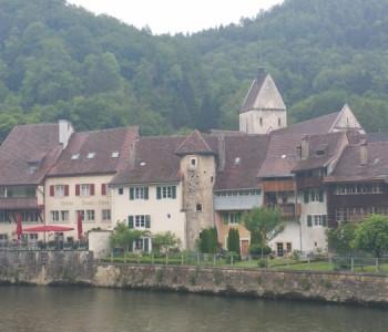 Wanderung Au Fil du Doubs: Flusswanderung durch den abgelegenen Naturpark Doubs